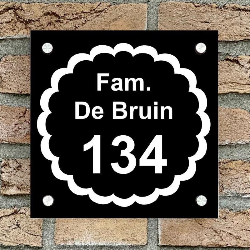 Naambordje voordeur vierkant 17 zwart bordje met witte tekst