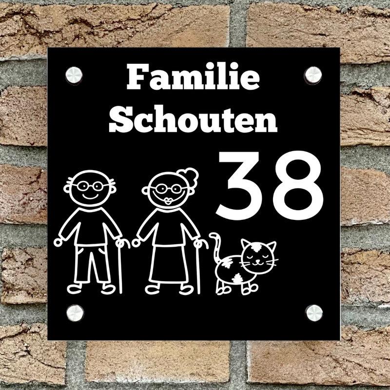 Naambordje voordeur vierkant familie 4 zwart bordje met witte tekst